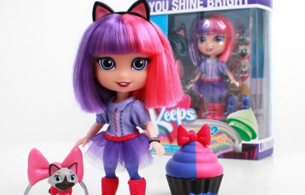 PREORDER – FOR KEEPS™ 5″ Aspirational Fashion Dolls With Accessories – London
